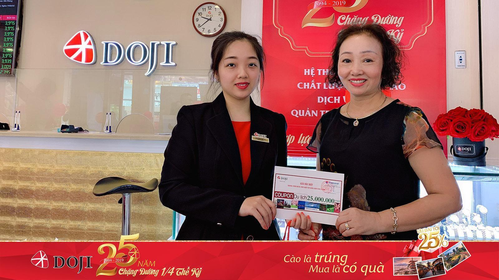 Bảo Thanh và hàng ngàn khách hàng nhận quà dịp sinh nhật DOJI - Ảnh 3.