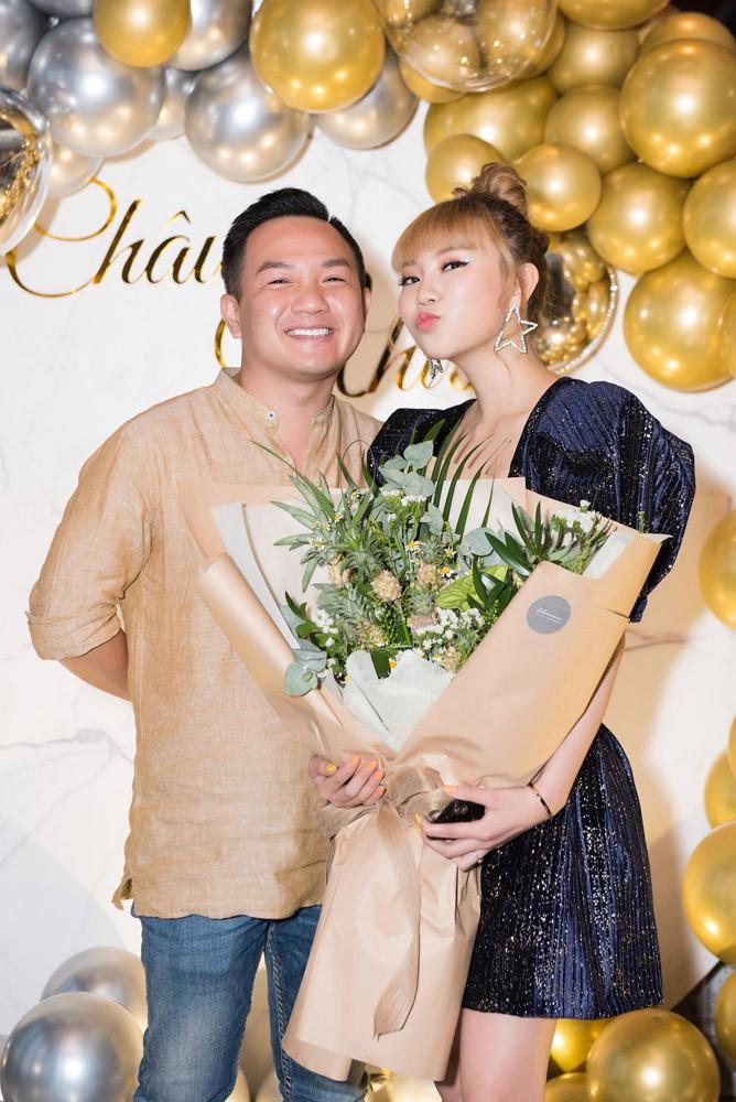 Danh ca Thanh Hà cùng bạn trai góp mặt trong tiệc sinh nhật trò cưng Châu Nhi - Ảnh 6.