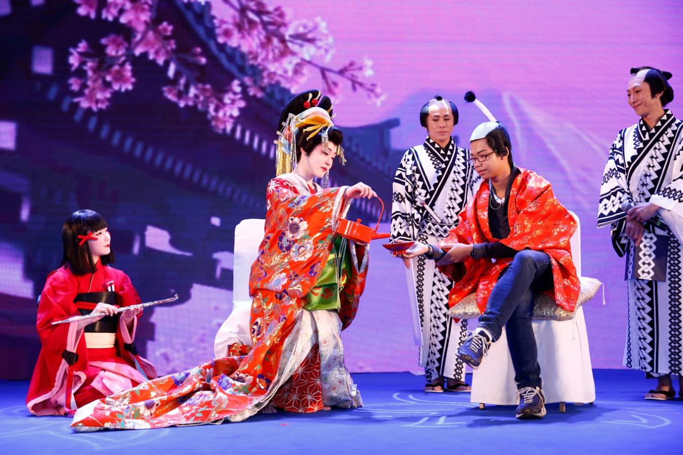 Lam Trường, Bích Phương hội ngộ tại Lễ hội Nhật Bản mùa hè 2019 - Ảnh 3.