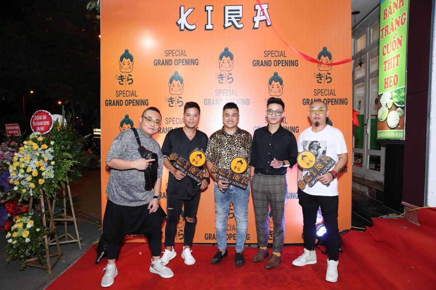Hoàng Dũng The Voice, Dương Trần Nghĩa và FatB quẩy tưng bừng tại Kira Coffee & Lounge - Ảnh 1.