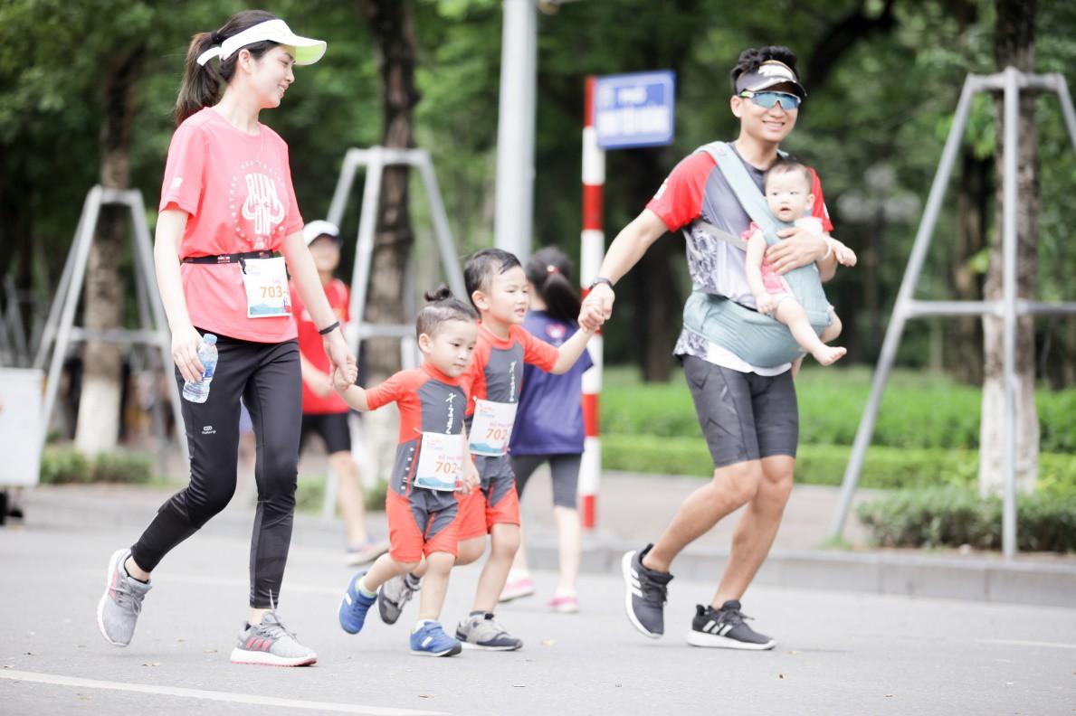 Sôi động giải chạy Gắn kết gia đình - MB Family Fun Run 2019 - Ảnh 2.