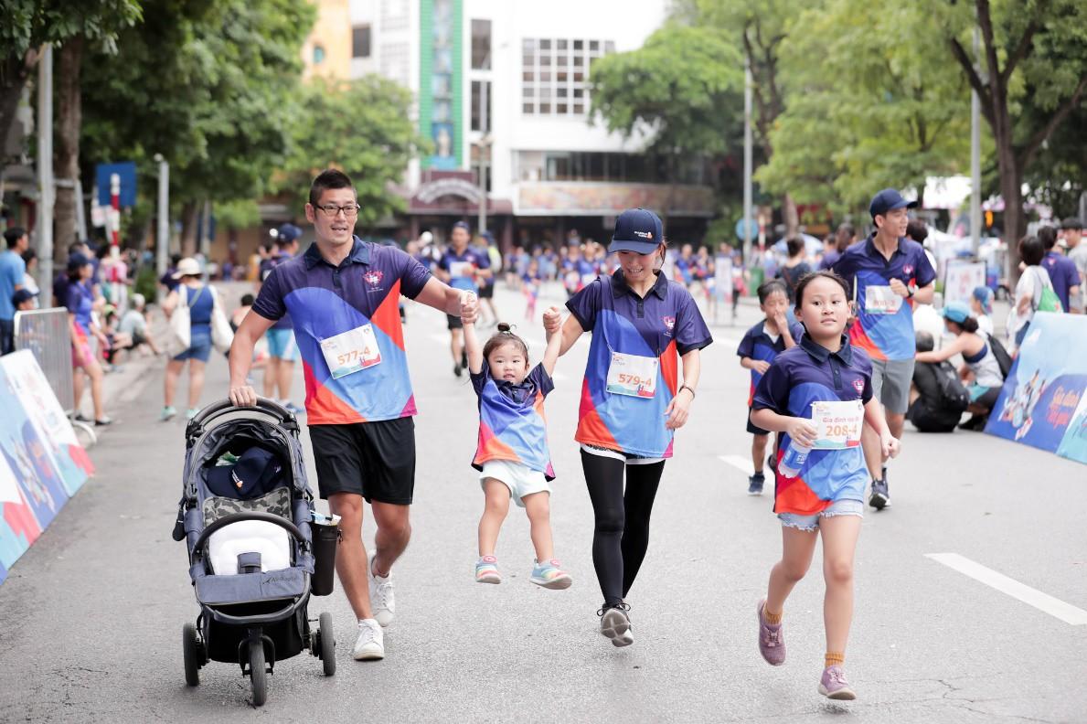 Sôi động giải chạy Gắn kết gia đình - MB Family Fun Run 2019 - Ảnh 4.