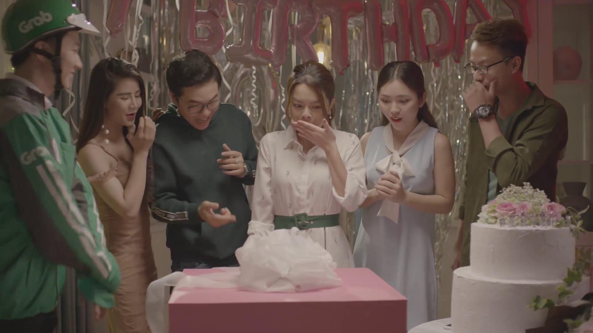 """Quà sinh nhật bất ngờ và """"khó quên"""" cho bà chị hai Phạm Quỳnh Anh, chỉ có thể là cậu em trai ngổ ngáo Trúc Nhân - Ảnh 7."""