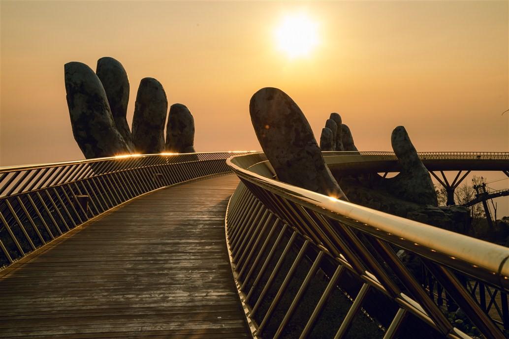 Hơn một sản phẩm du lịch, Cầu Vàng trở thành nguồn cảm hứng cho cộng đồng - Ảnh 5.
