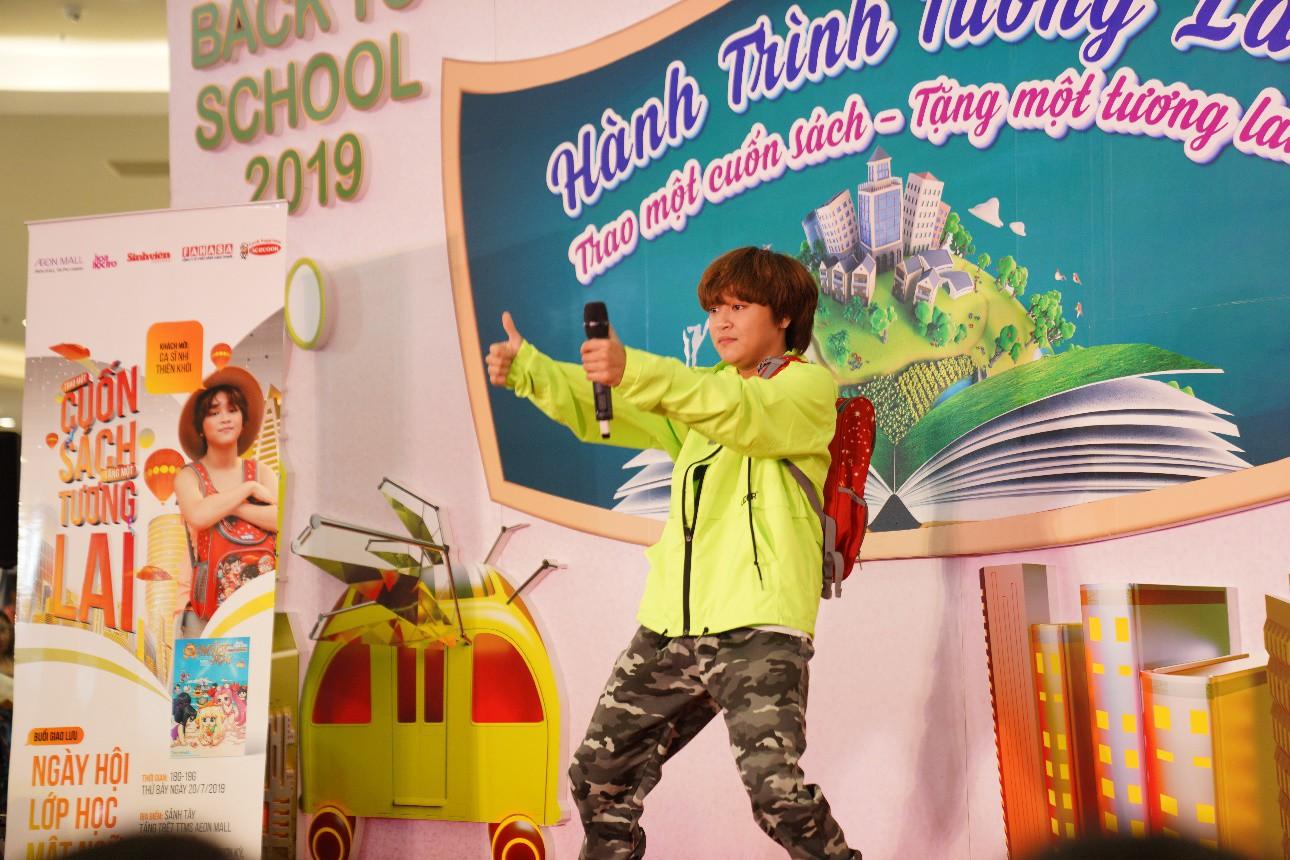 """AEON MALL Tân Phú Celadon """"trao tặng tương lai"""" cho trẻ em nghèo với hành trình quyên góp 5000 cuốn sách - Ảnh 2."""