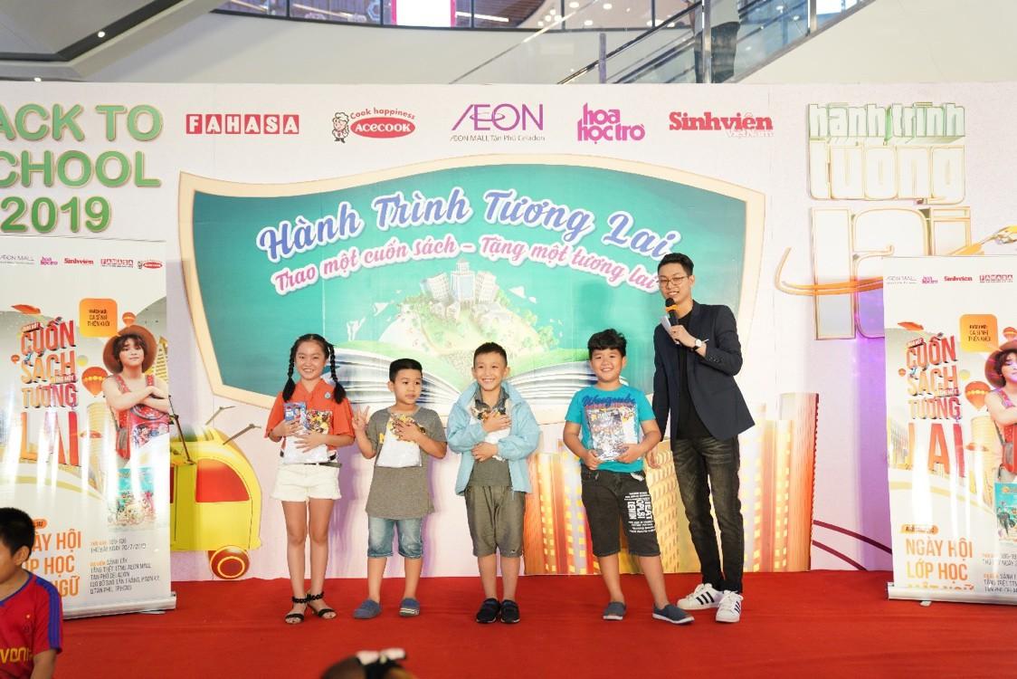 """AEON MALL Tân Phú Celadon """"trao tặng tương lai"""" cho trẻ em nghèo với hành trình quyên góp 5000 cuốn sách - Ảnh 3."""