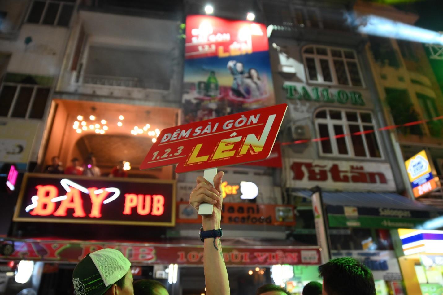 """Hàng nghìn bạn trẻ """"quẩy"""" hết mình tại sự kiện hoành tráng nhất tháng 8 mang tên """"Đêm Sài Gòn"""" - Ảnh 4."""