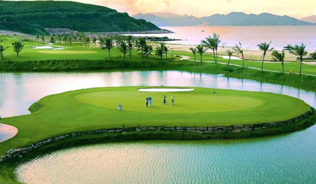 Ngành Du lịch Golf chính thức được đào tạo tại Việt Nam - Ảnh 1.
