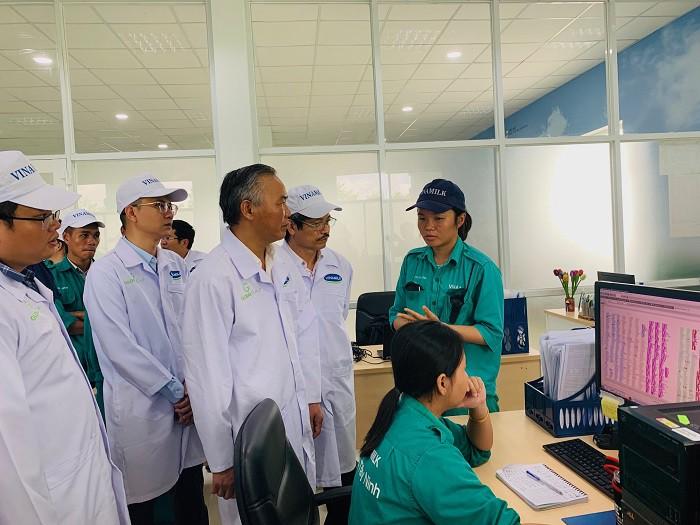 Xây dựng vùng chăn nuôi bò sữa an toàn dịch bệnh được quốc tế công nhận tại Tây Ninh - Ảnh 6.