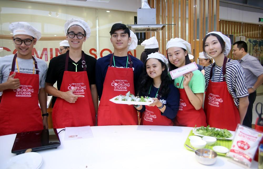 """115 """"nhà lãnh đạo trẻ châu Á"""" tìm hiểu ẩm thực, văn hóa Việt tại Ajinomoto Cooking Studio - Ảnh 5."""