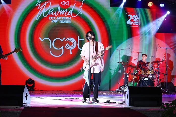 Bùng nổ cùng hơn 2,000 người tham dự đêm nhạc hội kỷ niệm 20 năm FPT Aptech - Ảnh 6.