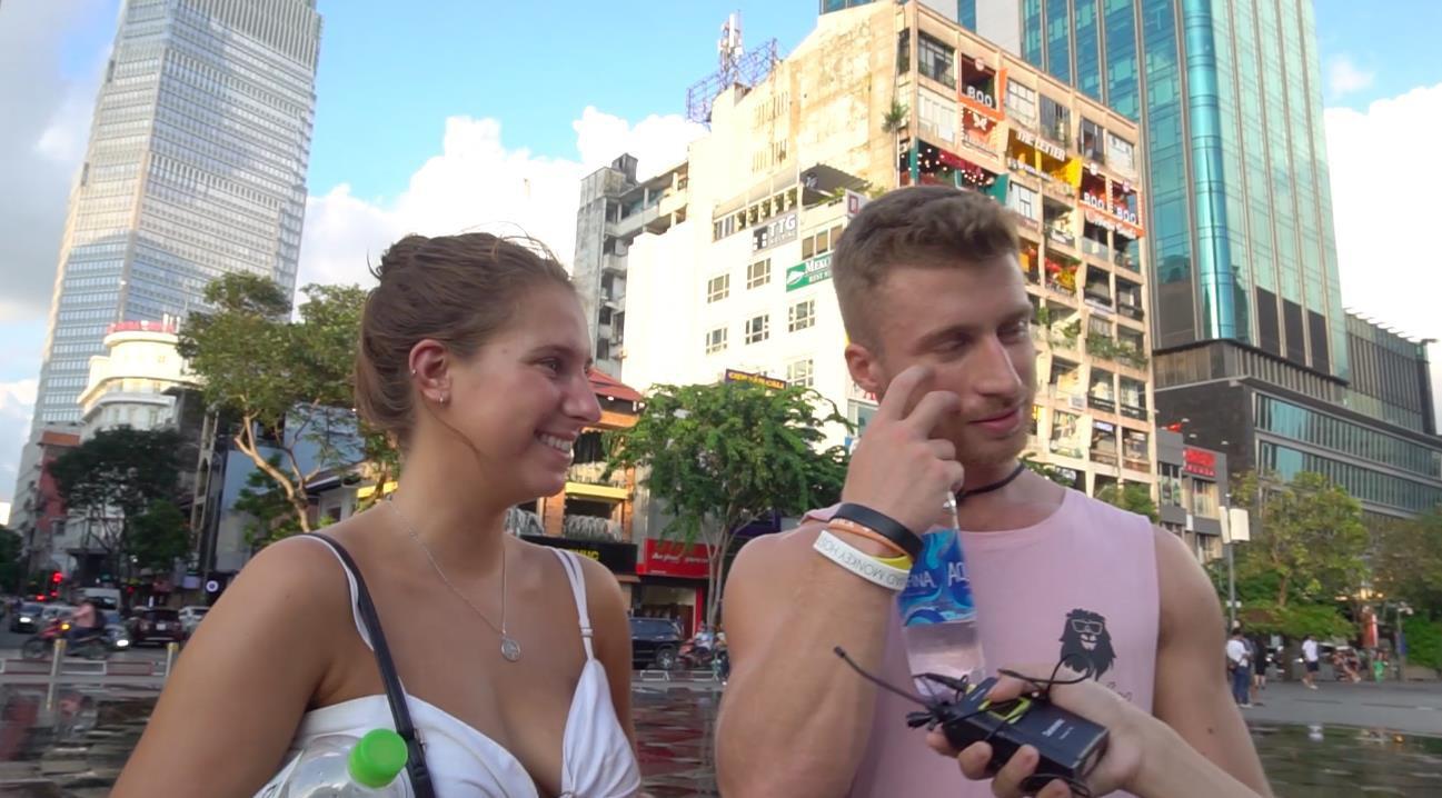 Hay tin Việt Nam xuất hiện ma cà rồng, khán giả lo sợ không chịu nổi nắng nóng - Ảnh 3.