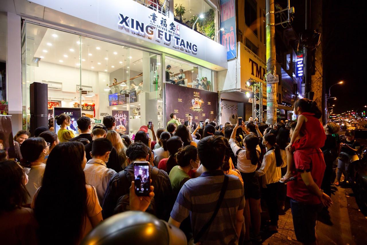 """Cơn bão Xing Fu Tang đang """"ập"""" vào thị trường trà sữa Việt Nam - Ảnh 11."""
