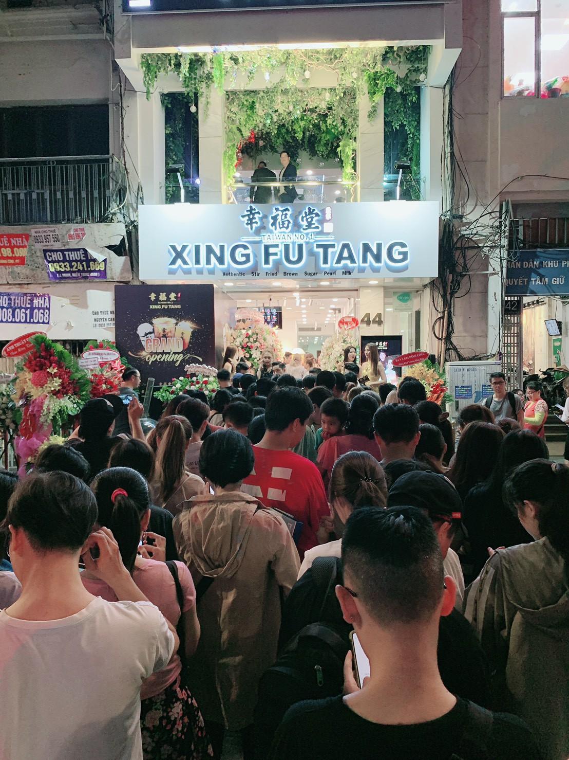 """Cơn bão Xing Fu Tang đang """"ập"""" vào thị trường trà sữa Việt Nam - Ảnh 3."""