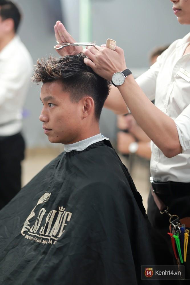 Cận cảnh quá trình tạo ra kiểu đầu Premlock của Văn Thanh đang khiến các fan rần rần trên Facebook - Ảnh 4.