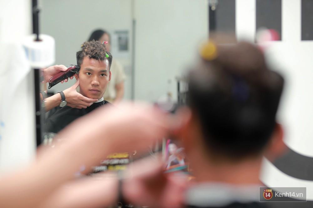Cận cảnh quá trình tạo ra kiểu đầu Premlock của Văn Thanh đang khiến các fan rần rần trên Facebook - Ảnh 8.