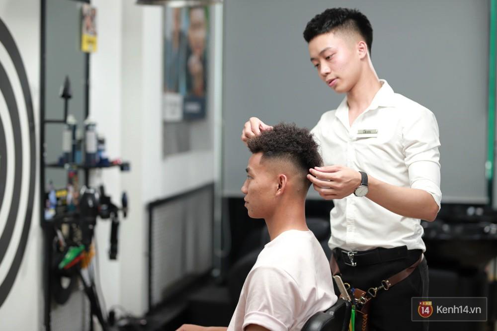 Cận cảnh quá trình tạo ra kiểu đầu Premlock của Văn Thanh đang khiến các fan rần rần trên Facebook - Ảnh 9.