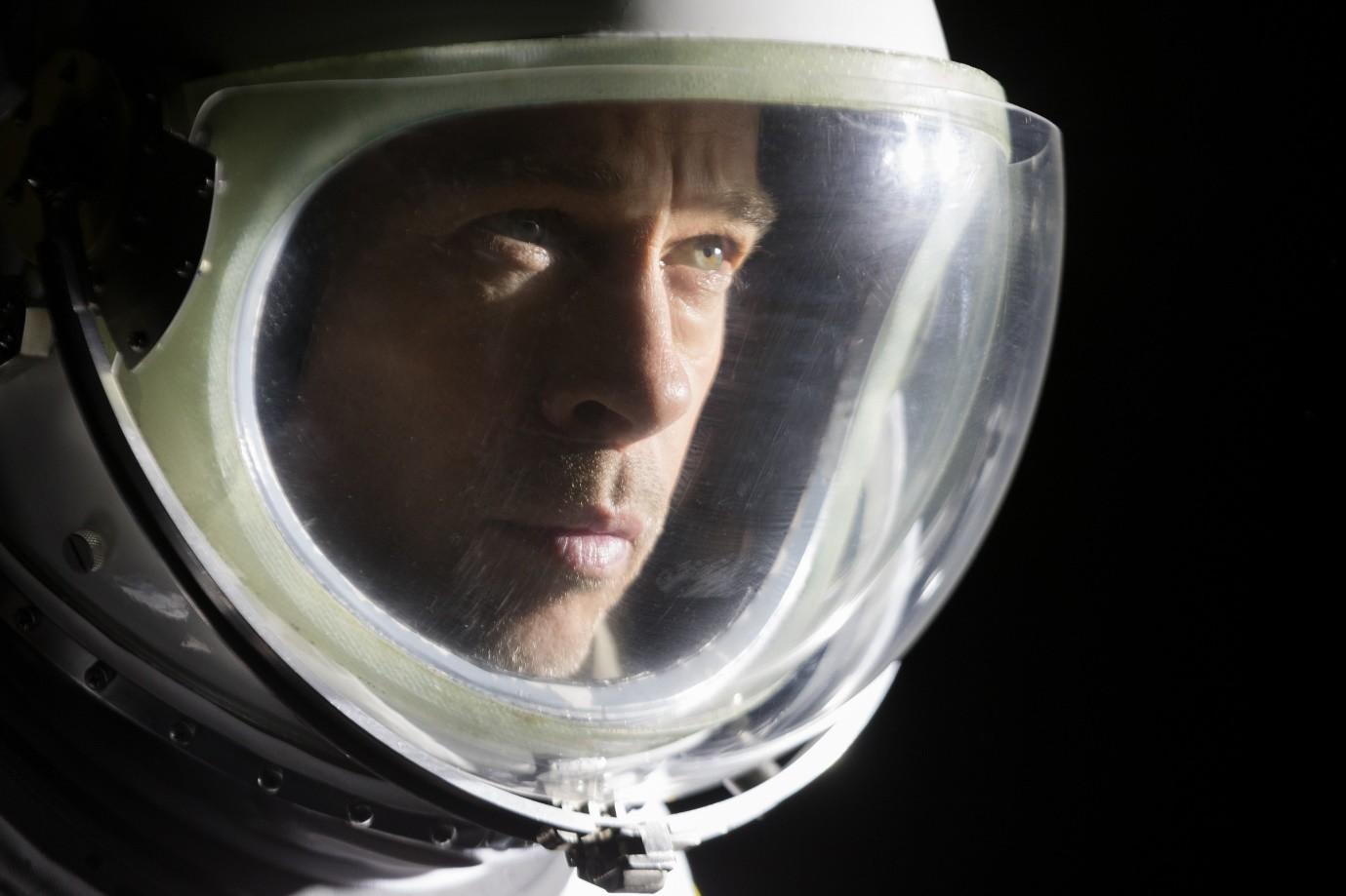 Ad Astra – Rơi nước mắt và nghẹt thở với hành trình tìm cha trong không gian của Brad Pitt - Ảnh 3.