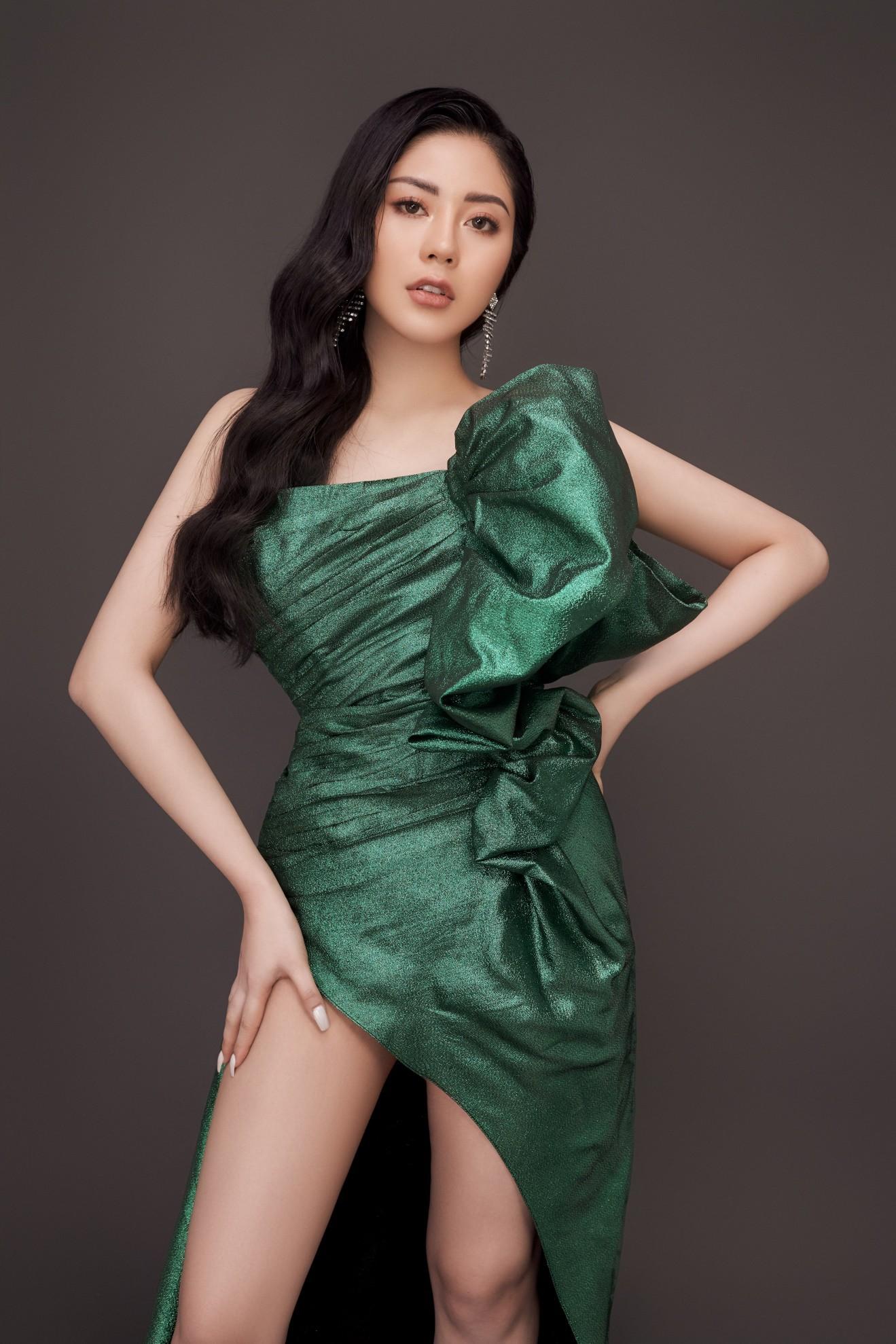 Người đẹp Tô Diệp Hà khoe vẻ gợi cảm sau 1 năm đăng quang - Ảnh 3.