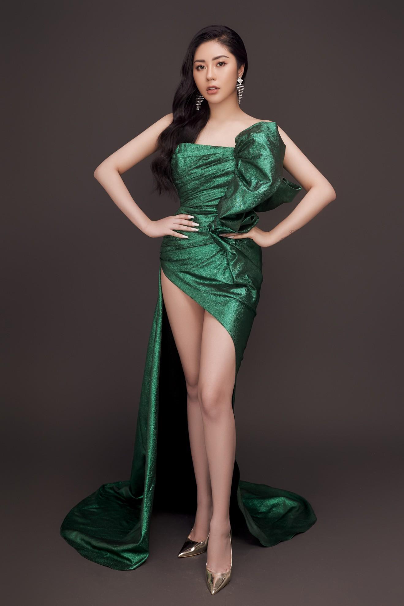 Người đẹp Tô Diệp Hà khoe vẻ gợi cảm sau 1 năm đăng quang - Ảnh 4.