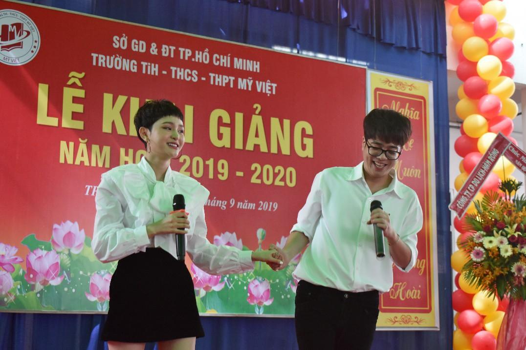 """Lễ khai giảng """"vui hết cỡ"""" của teen Mỹ Việt TP.HCM - Ảnh 8."""
