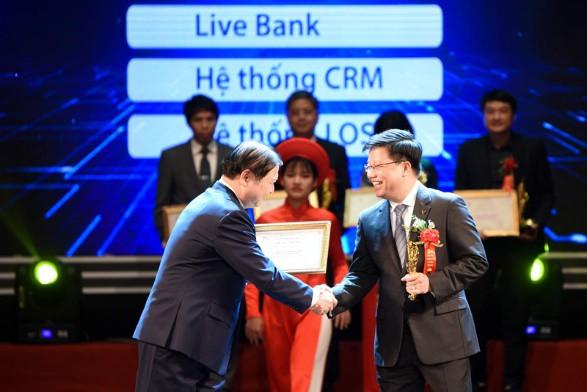 TPBank được vinh danh là ngân hàng xuất sắc trong chuyển đổi số - Ảnh 1.