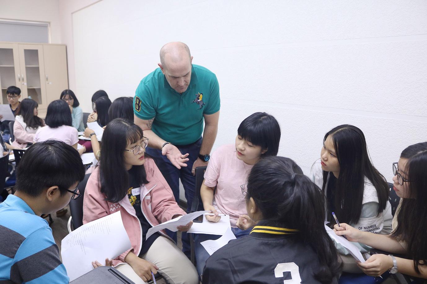 Thi thử IELTS miễn phí – Chớp ngay học bổng du học Mỹ toàn phần 100% cùng nhiều giải thưởng hấp dẫn - Ảnh 2.