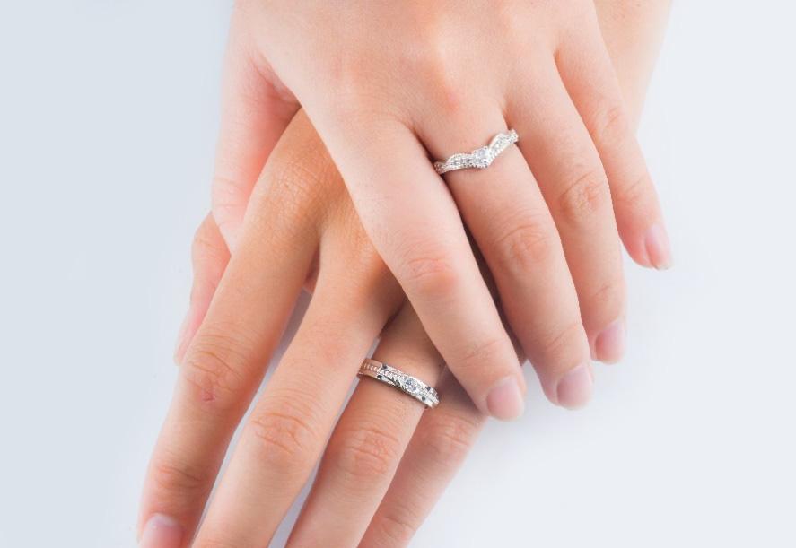 Nhẫn đôi thiết kế Cáo Bạc - yêu từ cái nhìn đầu tiên - Ảnh 1.