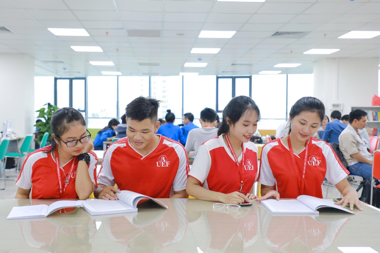 Năm 2020, Đại học Kinh tế - Tài chính TP.HCM tuyển sinh theo 4 phương thức - Ảnh 1.