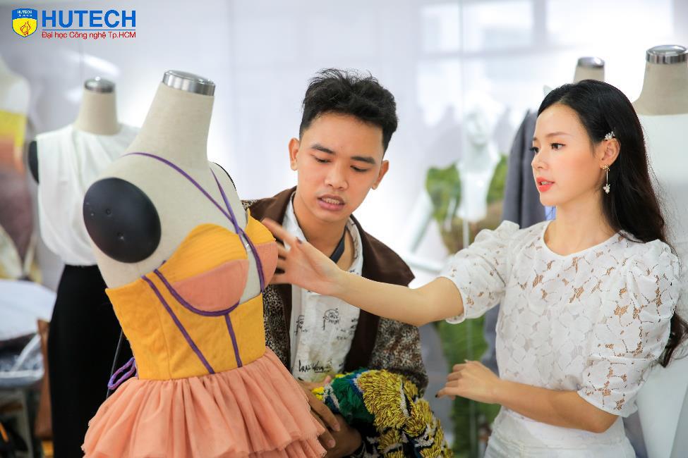 """NTK Hoàng Minh Hà, Midu sẽ """"phiêu"""" cùng học sinh THPT cả nước tại cuộc thi Thiết kế áo lớp - Let's Shine 2gether - Ảnh 2."""