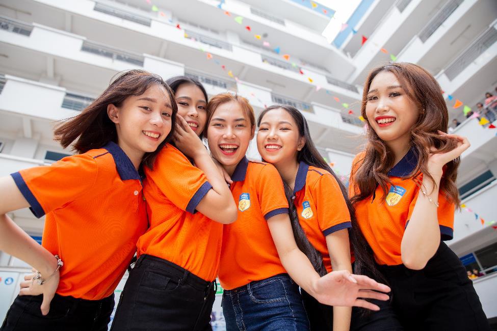"""NTK Hoàng Minh Hà, Midu sẽ """"phiêu"""" cùng học sinh THPT cả nước tại cuộc thi Thiết kế áo lớp - Let's Shine 2gether - Ảnh 3."""