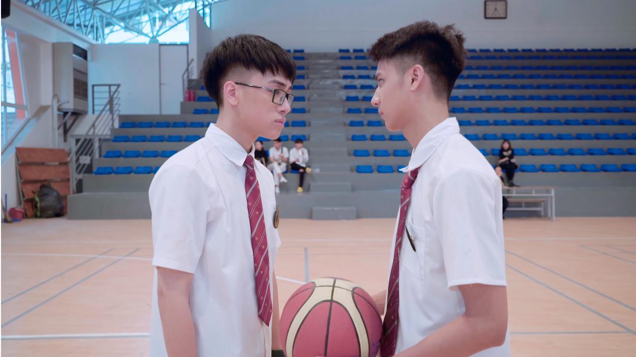 """""""Phù phép"""" Simple Love thành phiên bản đam mỹ, netizen Việt hết lời khen MV cover mới của Linh Ka vì quá đáng yêu - Ảnh 3."""