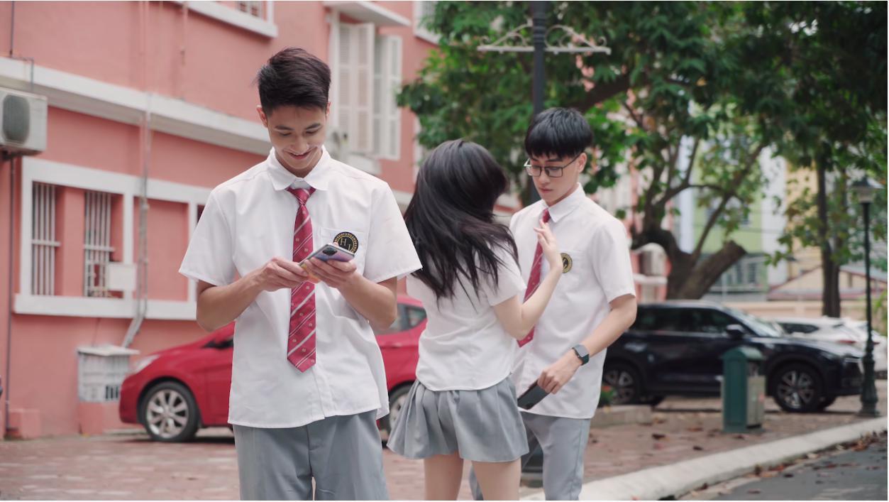 """""""Phù phép"""" Simple Love thành phiên bản đam mỹ, netizen Việt hết lời khen MV cover mới của Linh Ka vì quá đáng yêu - Ảnh 4."""