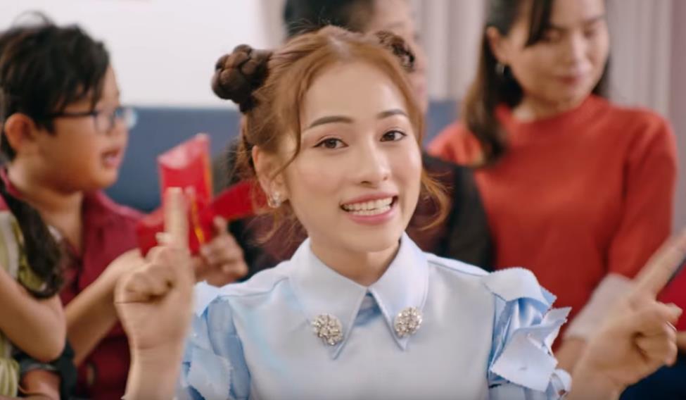 MV Tết mà muôn màu như này thì ai mà chịu nổi đây Han Sara, Suni, Đạt G - Du Uyên ơi? - Ảnh 7.