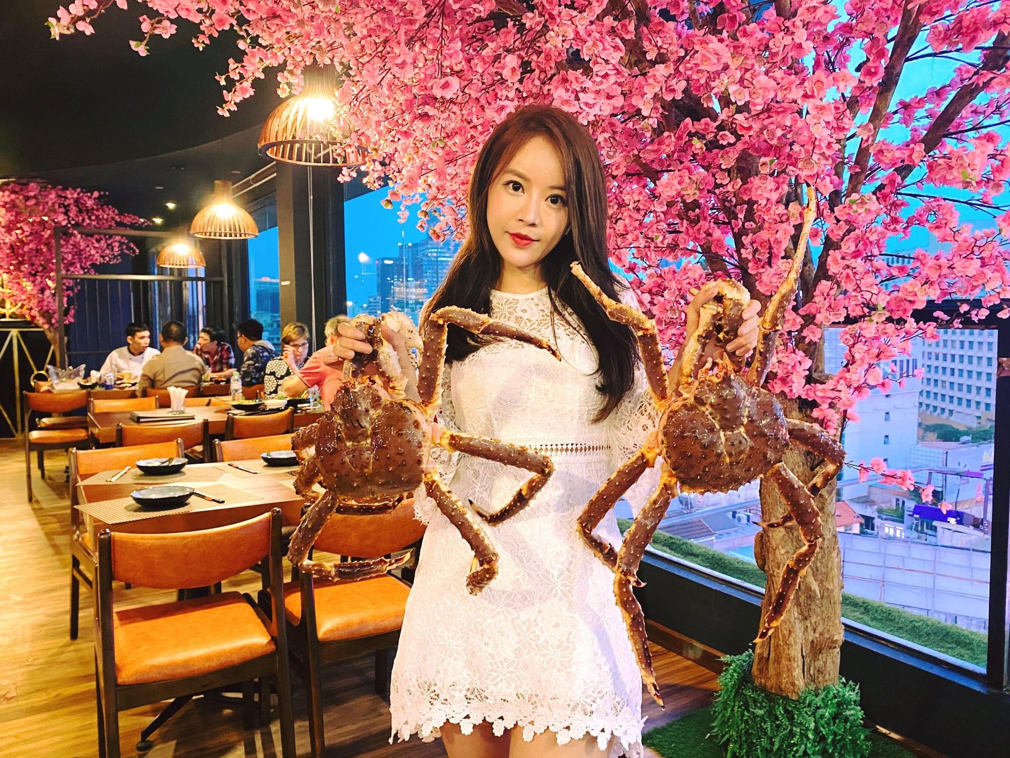 Top 5 nhà hàng mở cửa xuyên Tết ở Sài Gòn - Ảnh 1.