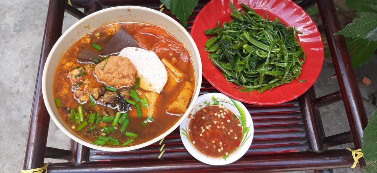 Top 5 nhà hàng mở cửa xuyên Tết ở Sài Gòn - Ảnh 8.