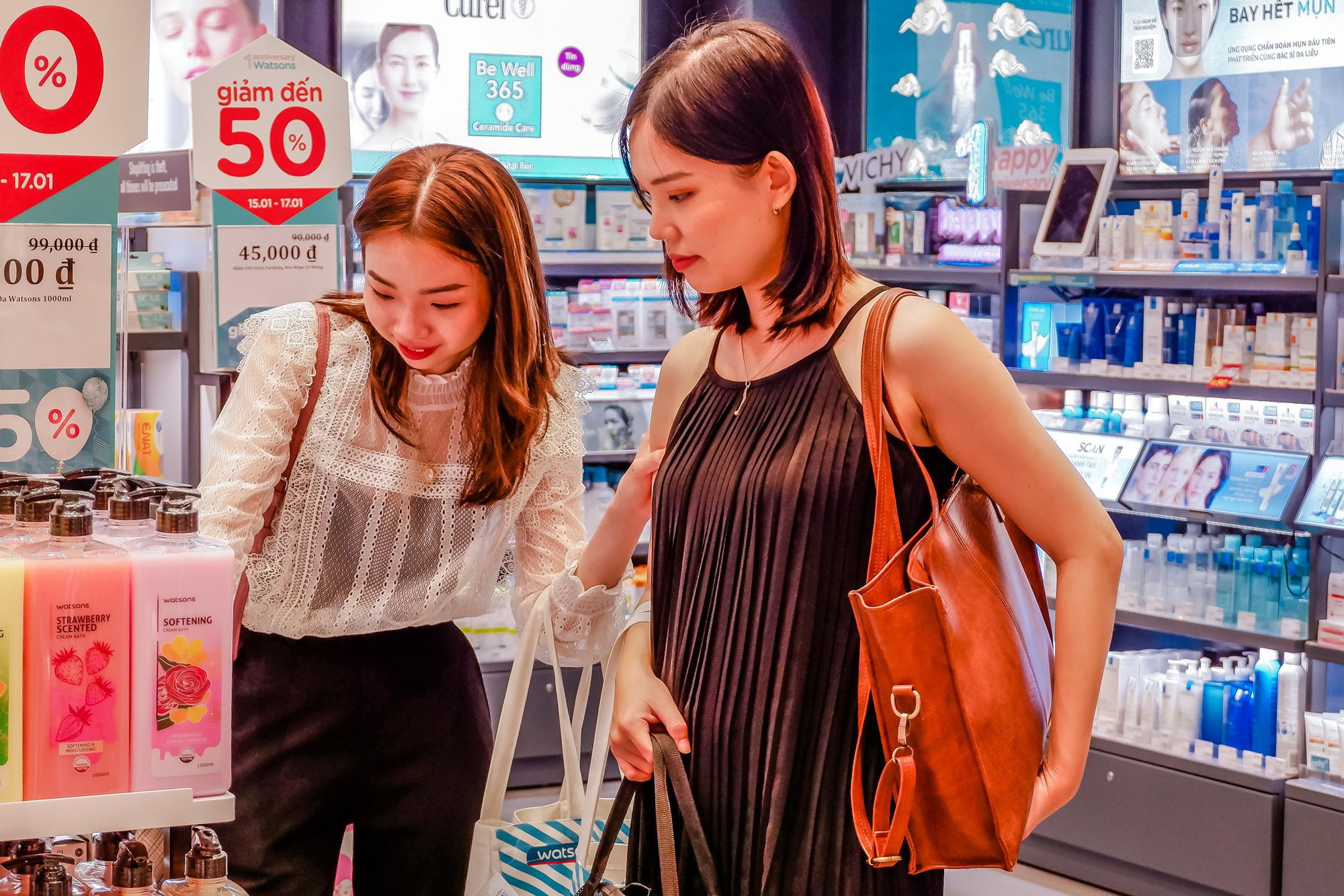 Kỷ niệm 1 năm có mặt tại Việt Nam, Watsons tri ân khách hàng với Private Sales xịn sò - Ảnh 2.