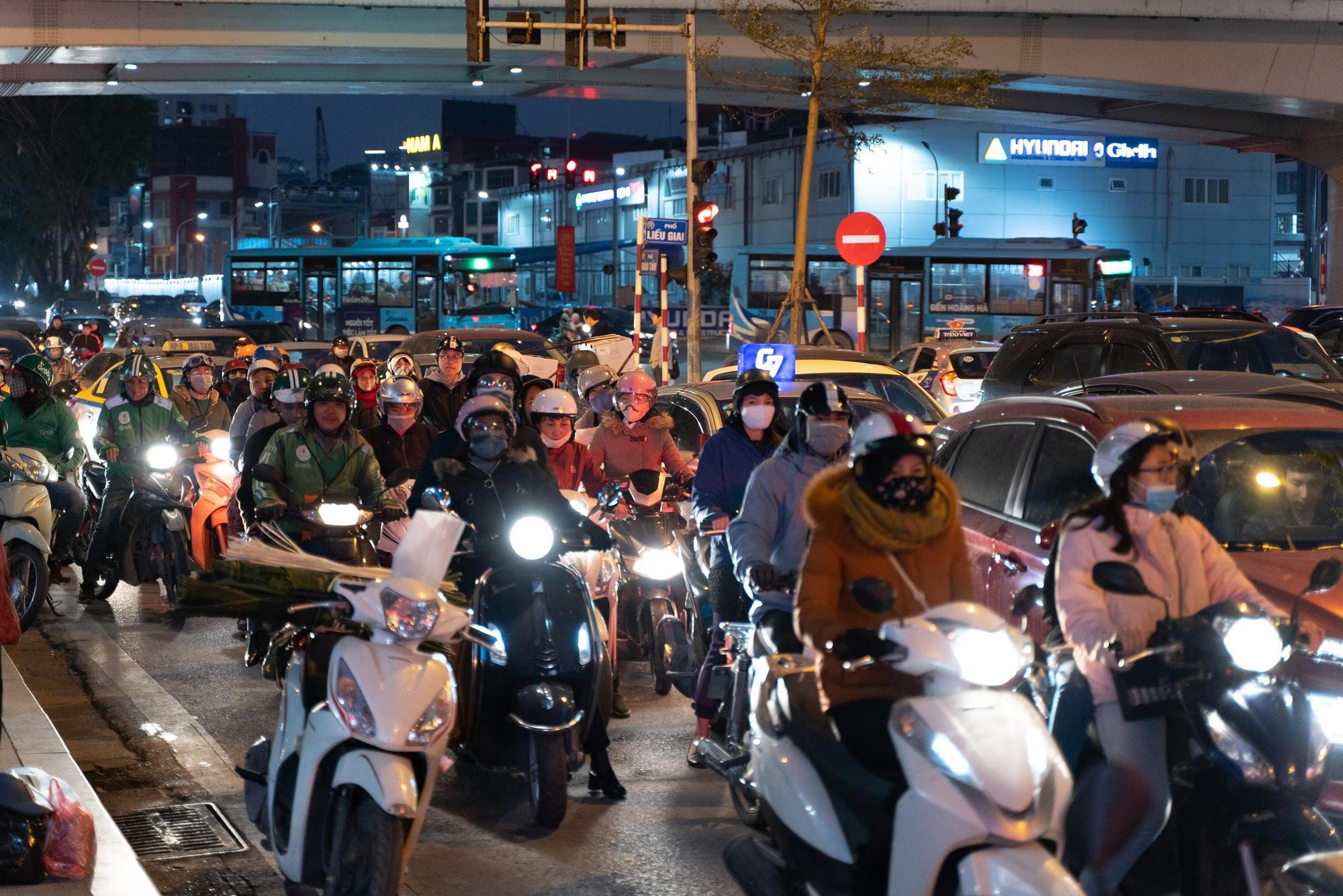 Mỗi năm, người Việt đi xe máy trung bình 7.800 km - Ảnh 1.