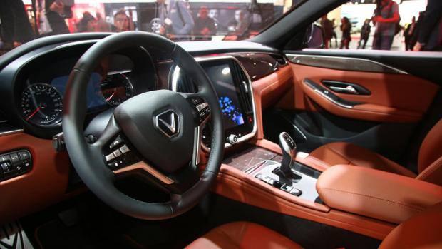 Mua xe VinFast Lux lợi hơn thuê xe sang như thế nào? - Ảnh 4.