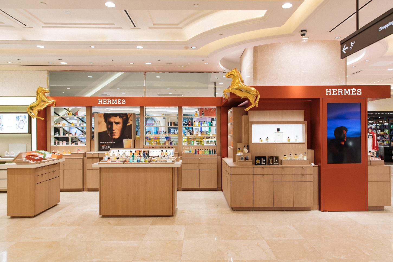 Hermès mở gian hàng mỹ phẩm đầu tiên tại TTTM Takashimaya, Sài Gòn - Ảnh 1.