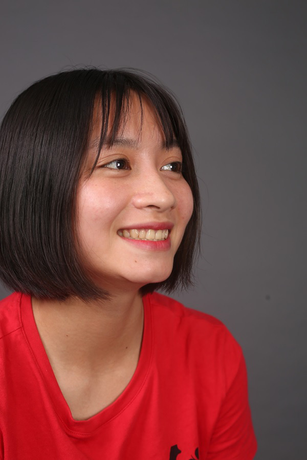 """""""Crush quốc dân"""" Hoàng Loan lại khiến dân tình chao đảo với nụ cười mới - Ảnh 2."""