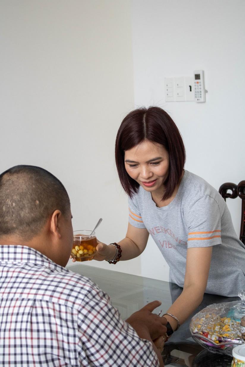 Từ ly trà sen tự nấu tới quán cà phê được đông đảo khách hàng yêu thích - Ảnh 3.