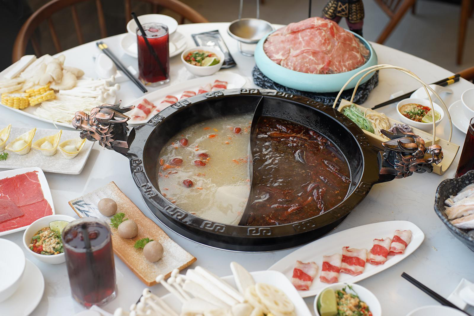 Lẩu Tứ Xuyên: Món ăn của đất nước tỉ dân mà ai cũng nên thử một lần trong đời - Ảnh 4.
