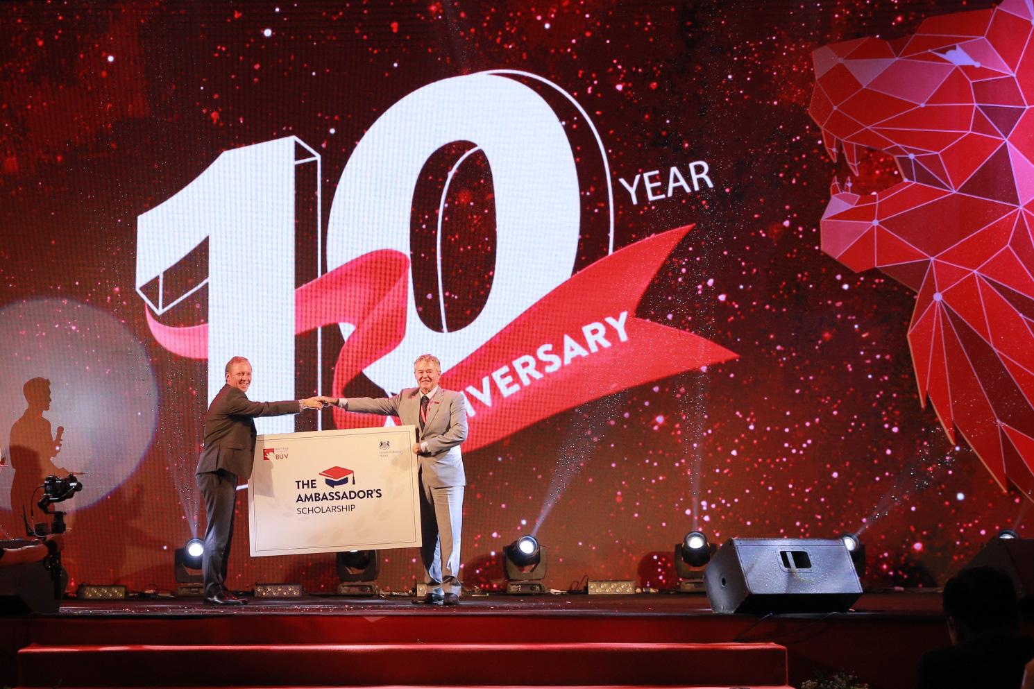 Trường Đại học Anh Quốc Việt Nam kỷ niệm 10 năm thành lập - Ảnh 4.