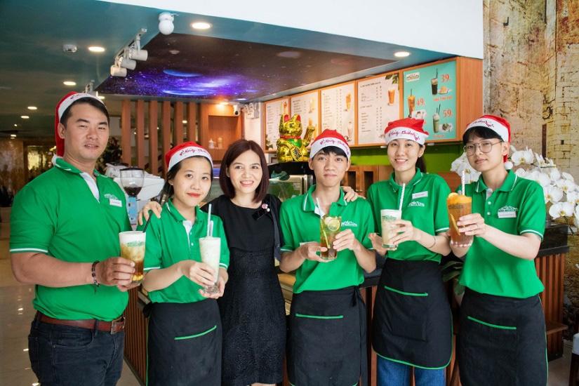 Từ ly trà sen tự nấu tới quán cà phê được đông đảo khách hàng yêu thích - Ảnh 5.