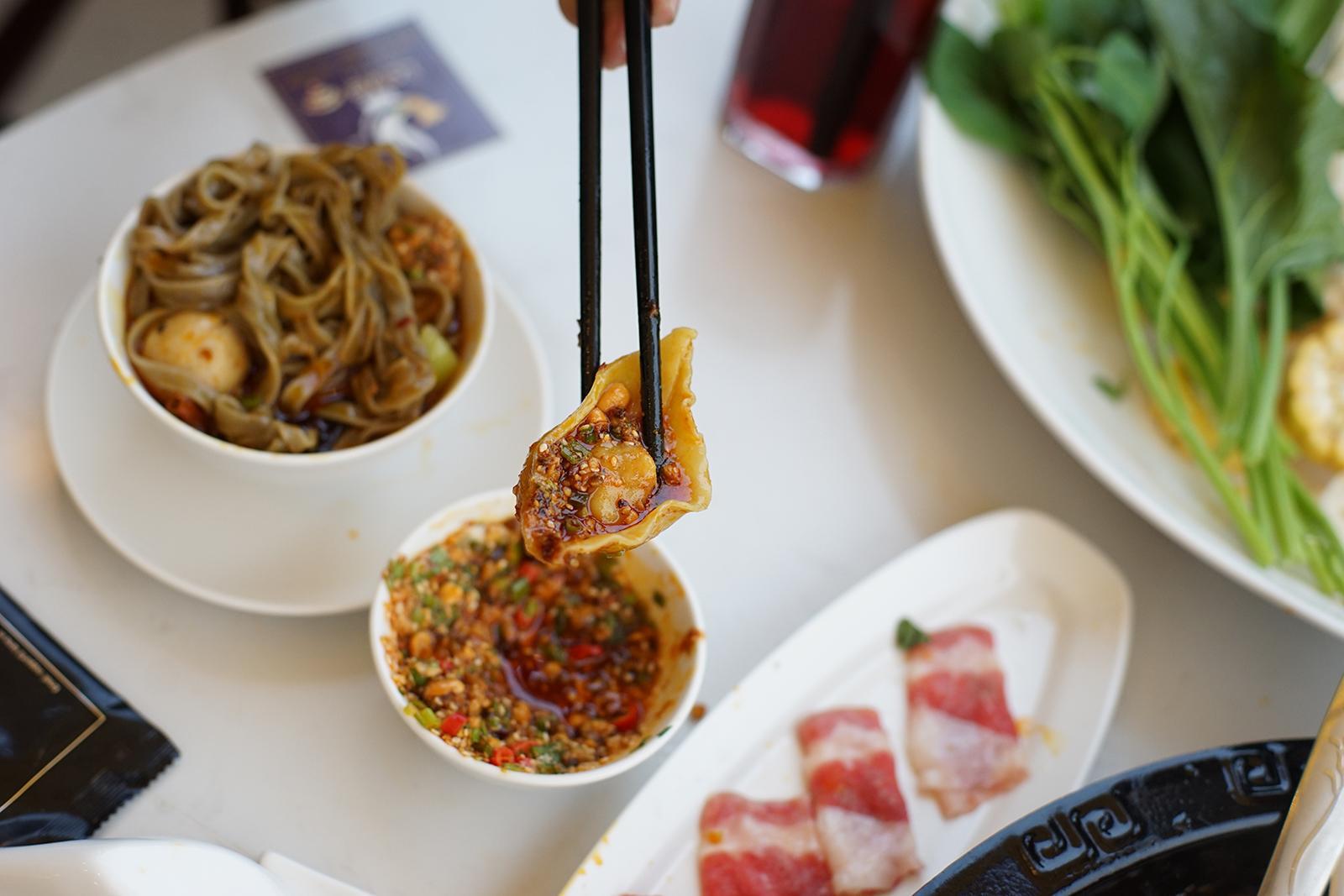 Lẩu Tứ Xuyên: Món ăn của đất nước tỉ dân mà ai cũng nên thử một lần trong đời - Ảnh 6.