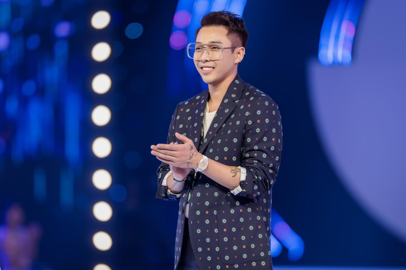 Hoàng Ku: Stylist không chỉ cho người nổi tiếng, tôi muốn làm stylist cho người bình thường có ước mơ - Ảnh 2.