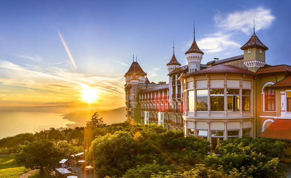 Du học Thụy Sĩ - Quy chuẩn giao tiếp và phục vụ ngành Khách sạn và Sự kiện - Ảnh 3.