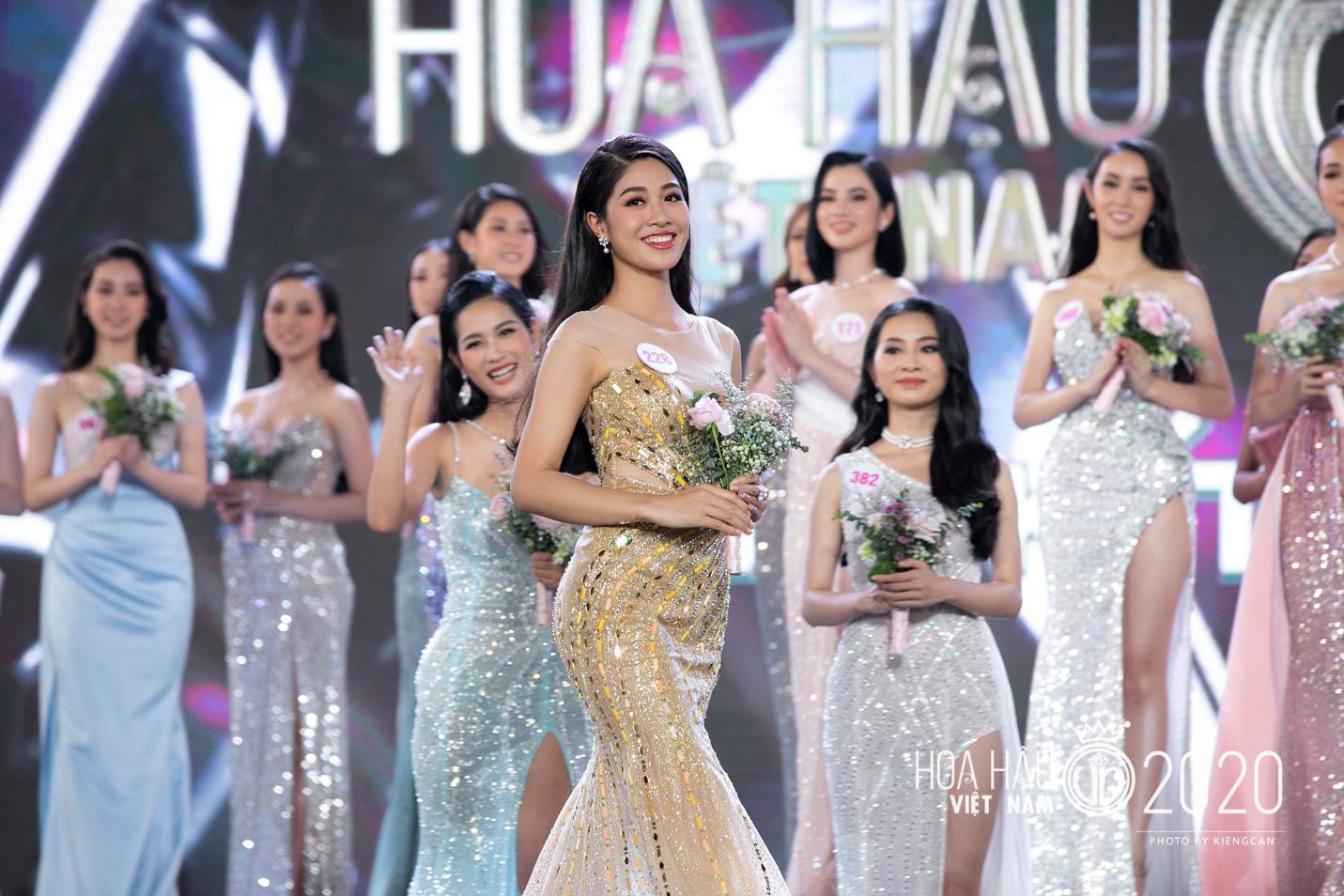 Quyến rũ trong từng đường nét, người đẹp hàng không đi tiếp vào Chung kết Hoa hậu Việt Nam 2020 - Ảnh 7.