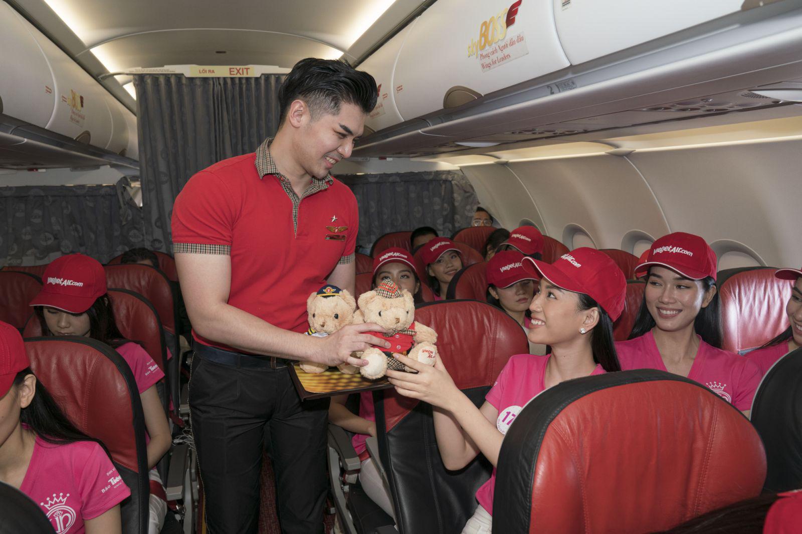 Dàn thí sinh xuất sắc vòng Chung kết Hoa hậu Việt Nam 2020 lên đường thực hiện nhiệm vụ nhân ái - Ảnh 7.